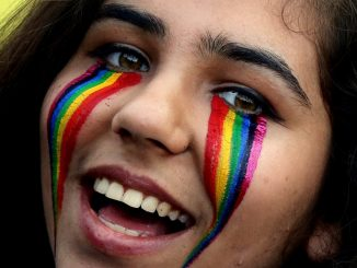 e1bde41e8a895 India ends colonial-era ban on gay sex